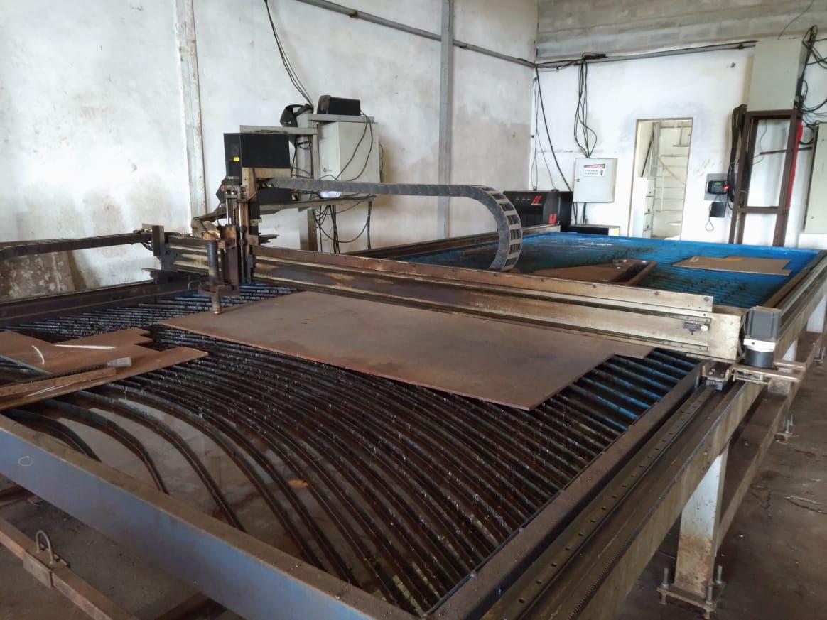 Maquina CNC para corte de chapa